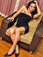 Pretty tranny Rosa shares her hot ways of seduction